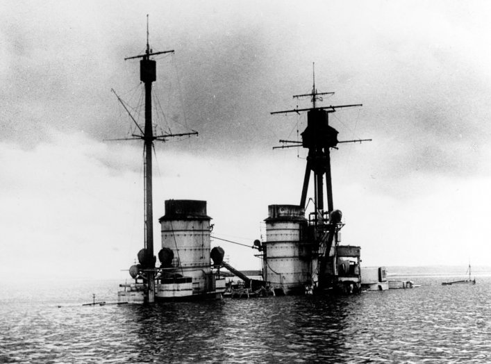 By Royal Navy official photographer - This is photograph SP1635 from the collections of the Imperial War Museums (collection no. 1900-01), Public Domain, https://commons.wikimedia.org/w/index.php?curid=4468930