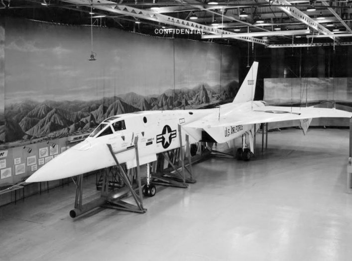 By USAF. - https://www.militaryfactory.com/aircraft/imgs/north-american-xf108-rapier-interceptor-prototype.jpg, Public Domain, https://commons.wikimedia.org/w/index.php?curid=63894022