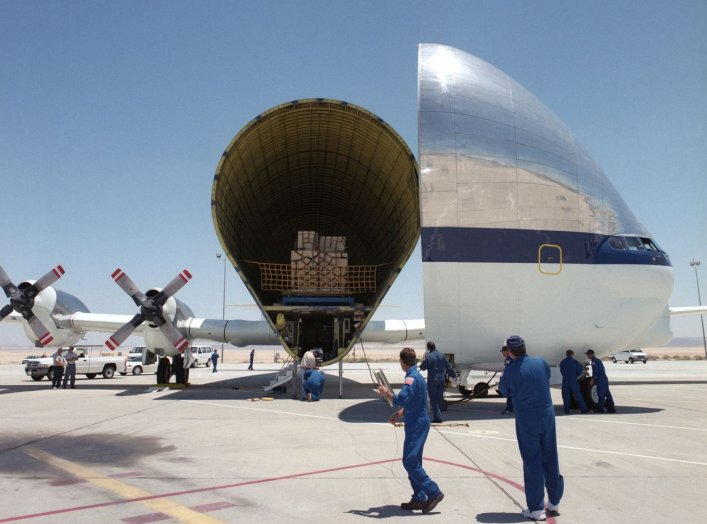 By NASA/Tony Landis - http://www.dfrc.nasa.gov/Gallery/Photo/Guppy/HTML/EC00-0212-13.html; see also https://www.dvidshub.net/image/846402 / archive copy, Public Domain, https://commons.wikimedia.org/w/index.php?curid=575493