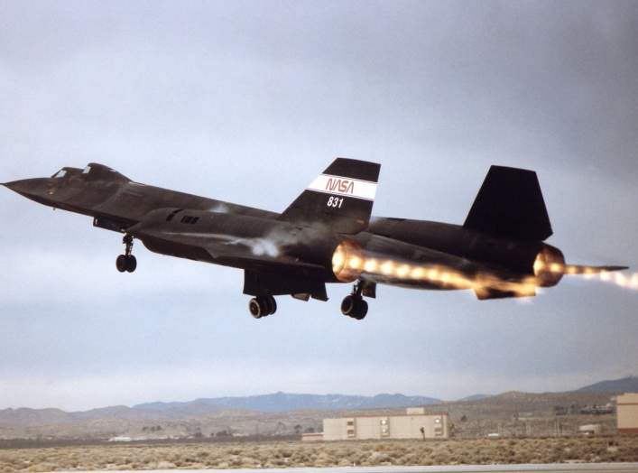 https://www.dvidshub.net/image/731564/sr-71-takeoff-with-afterburner-showing-shock-diamonds-exhaust