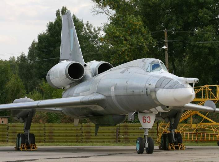 By Oleg V. Belyakov - AirTeamImages - Gallery page http://www.airliners.net/photo/Ukraine---Air/Tupolev-Tu-22KD/1400622/LPhoto http://cdn-www.airliners.net/aviation-photos/photos/2/2/6/1400622.jpg, CC BY-SA 3.0, https://commons.wikimedia.org/w/index.php?c