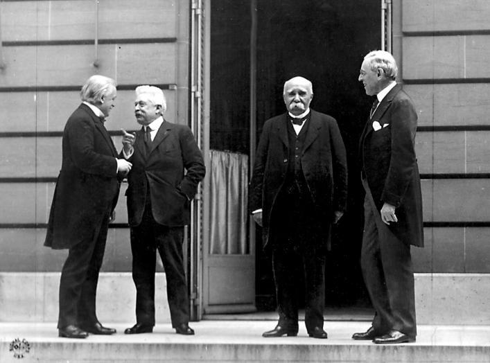 https://en.wikipedia.org/wiki/Treaty_of_Versailles#/media/File:Big_four.jpg