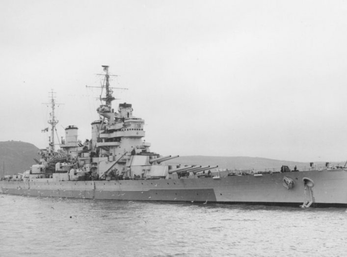 By Photographer: Royal Navy official photographer - This is photograph FL 707 from the collections of the Imperial War Museums., Public Domain, https://commons.wikimedia.org/w/index.php?curid=5057268