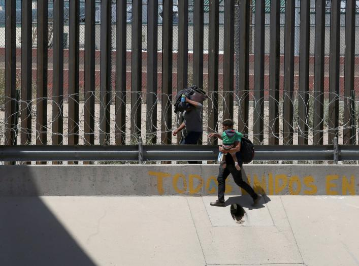 https://pictures.reuters.com/archive/USA-IMMIGRATION-MEXICO-RC1AAC6E01B0.html