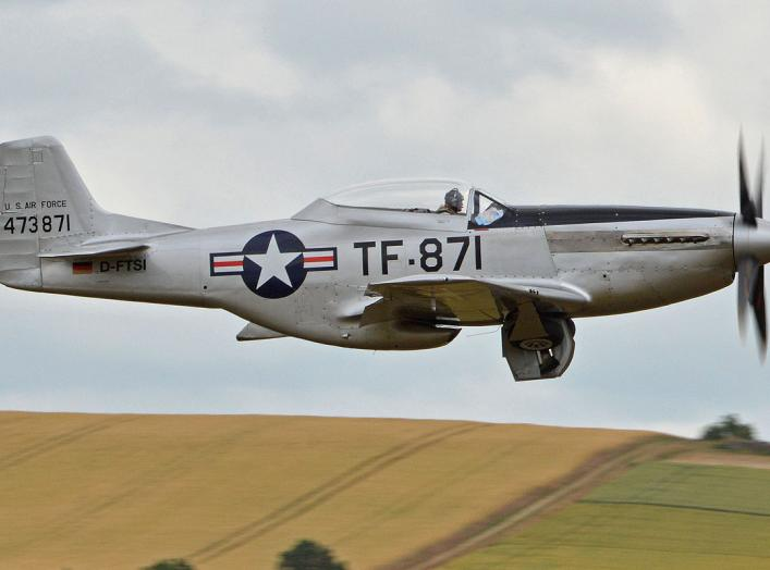 By Alan Wilson from Stilton, Peterborough, Cambs, UK - North American TF-51D Mustang '473871 / TF-871' (D-FTSI), CC BY-SA 2.0, https://commons.wikimedia.org/w/index.php?curid=44815983