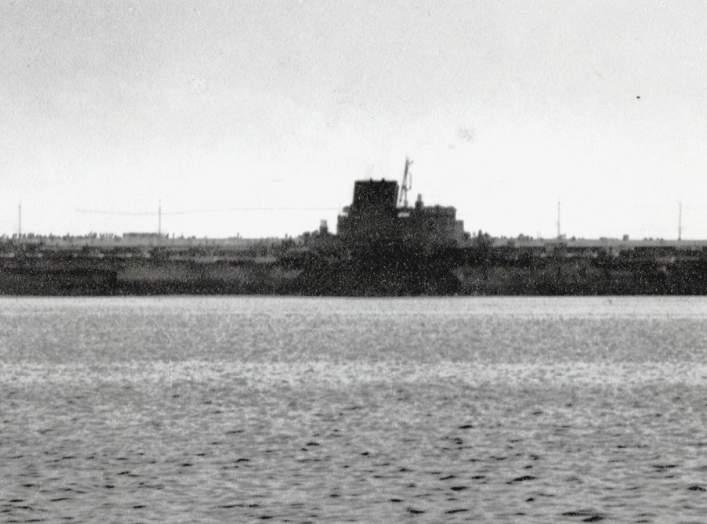 https://en.wikipedia.org/wiki/Japanese_aircraft_carrier_Shinano#/media/File:Japanese_aircraft_carrier_Shinano.jpg
