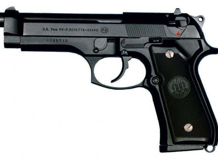 https://en.wikipedia.org/wiki/Beretta_M9#/media/File:M9-pistolet.jpg