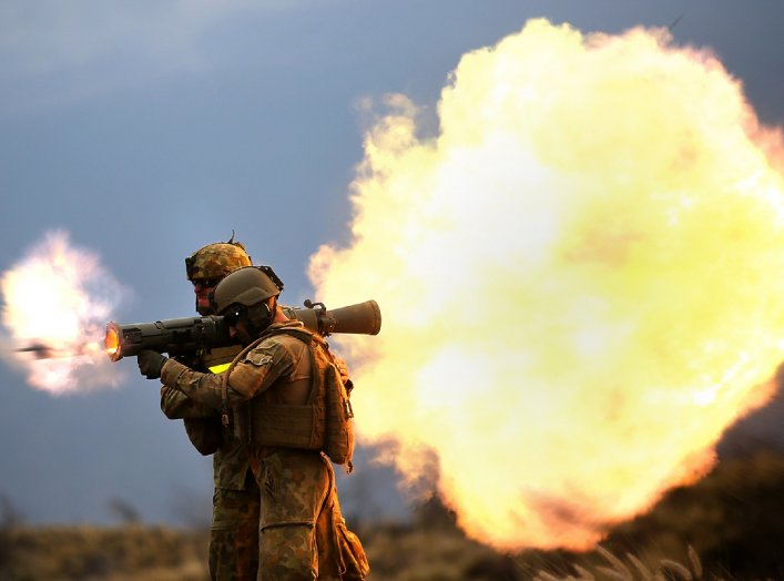 Australian soldiers assigned to 5th Battalion, Royal Australian Regiment fire an 84 mm M3 Carl Gustave rocket launcher at Range 10, Pohakuloa Training Area, Hawaii, July 20, 2014, during Rim of the Pacific (RIMPAC) Exercise 2014. (U.S. Marine photo by Sgt