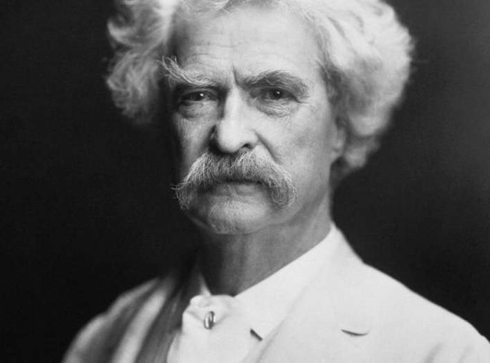 https://en.wikipedia.org/wiki/Mark_Twain#/media/File:Mark_Twain_by_AF_Bradley.jpg