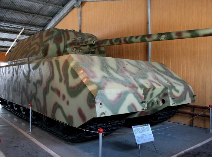 Panzerkampfwagen «Maus» at the Kubinka Tank Museum. Wikimedia/Superewer, public domain.