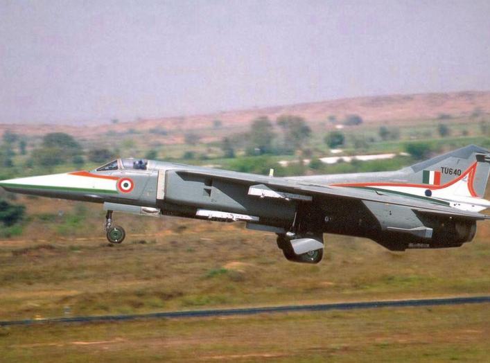 https://en.wikipedia.org/wiki/Mikoyan_MiG-27#/media/File:MiG-27_take_off.jpg