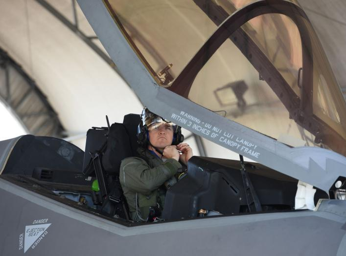 https://www.dvidshub.net/image/4175927/first-33-fw-f-35a-reaches-1000th-flying-hours