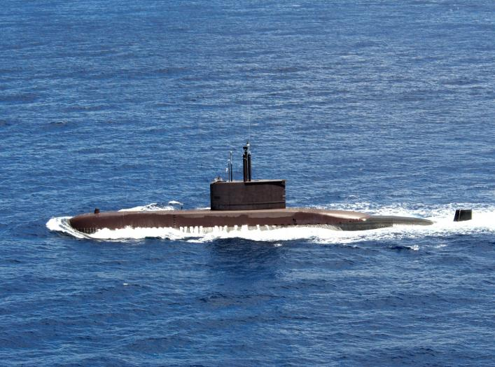 Pacific Ocean (July 6, 2004) – Republic of Korea Submarine Chang Bogo (SSK 61) heads out to sea during exercise Rim of the Pacific (RIMPAC).