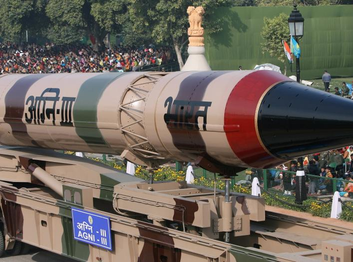 India's Agni III missile is seen during the full dress rehearsal for the Republic Day parade in New Delhi January 23, 2009. India will celebrate its Republic Day on Monday.