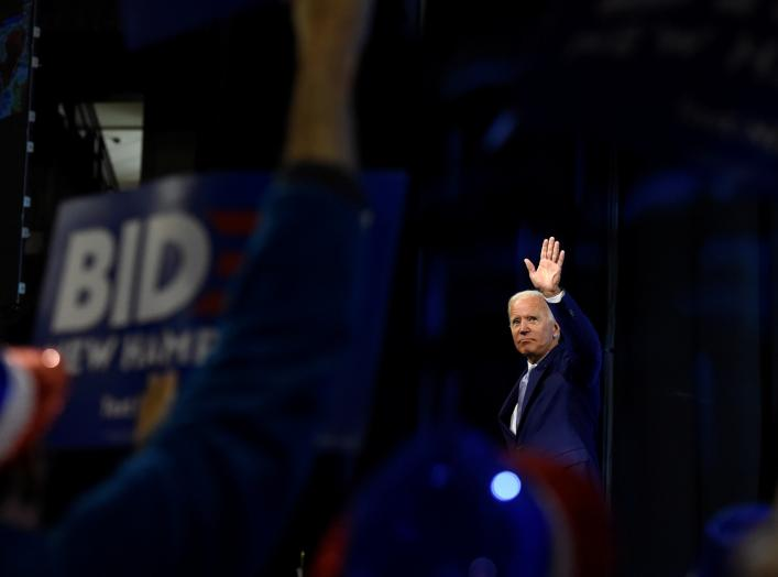 Democratic 2020 U.S. presidential candidate and former U.S. Vice President Joe Biden waves to the crowd after addressing the New Hampshire Democratic Party state convention in Manchester, New Hampshire, U.S. September 7, 2019. REUTERS/Gretchen Ertl