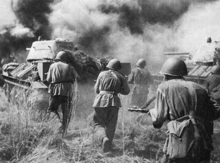 https://en.wikipedia.org/wiki/World_War_II#/media/File:Soviet_troops_and_T-34_tanks_counterattacking_Kursk_Voronezh_Front_July_1943.jpg