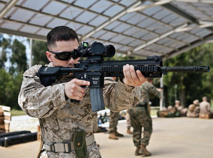 https://en.wikipedia.org/wiki/M27_Infantry_Automatic_Rifle#/media/File:USMC-120427-M-SR181-035.jpg