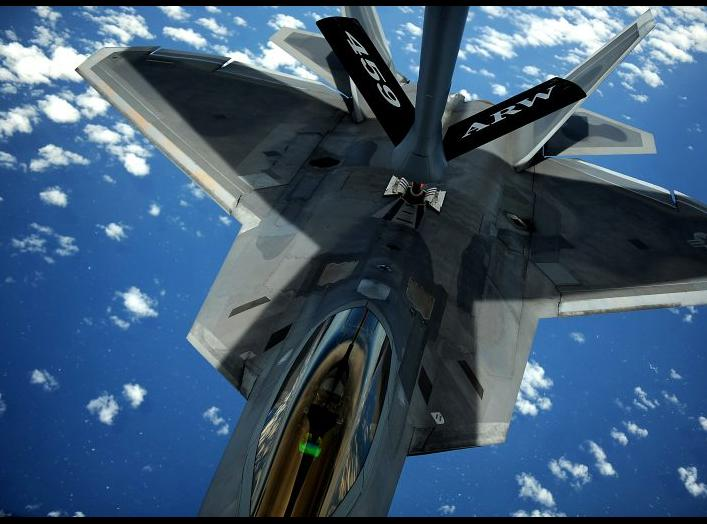https://sldinfo.com/gallery/aircraft-for-acc-story-october-2015/f-22-raptor-refueling/