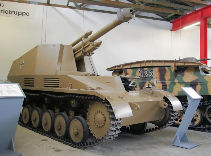 "Leichte Feldhaubitze 18/2 auf Fahrgestell Panzerkampfwagen II ""Wespe"" (Sd.Kfz. 124) on display at the Deutsches Panzermuseum Munster , Germany."