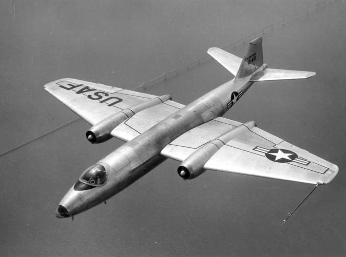 A U.S. Air Force Martin B-57A Canberra (s/n 52-1418, first production model), in flight over Chesapeake Bay Bridge, Maryland (USA), in 1953.