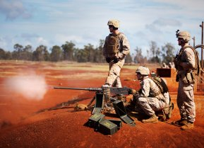 Machine gunners 1st Battalion, 3rd Marine Regiment, fire the .50 caliber M2 Browning machine gun during crew-served weapons training at Schofield Barracks, Hawaii, Oct. 8 through 10, 2013. Flickr / Marines