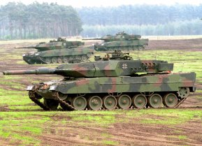 By Bundeswehr-Fotos - originally posted to Flickr as Leopard 2 A5, CC BY 2.0, https://commons.wikimedia.org/w/index.php?curid=11586260