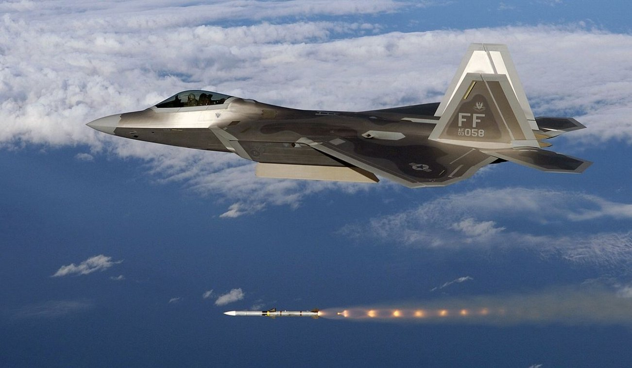 New Video Shows Why Every Air Force Fears the F-22 Raptor