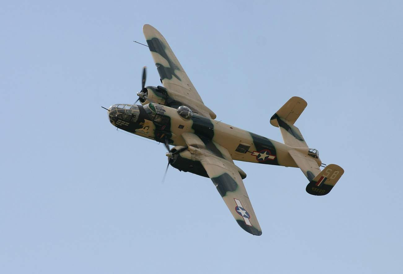 Meet America's B-25G Bomber: The Jet That Used A Tank Cannon To Destroy Enemy Warships