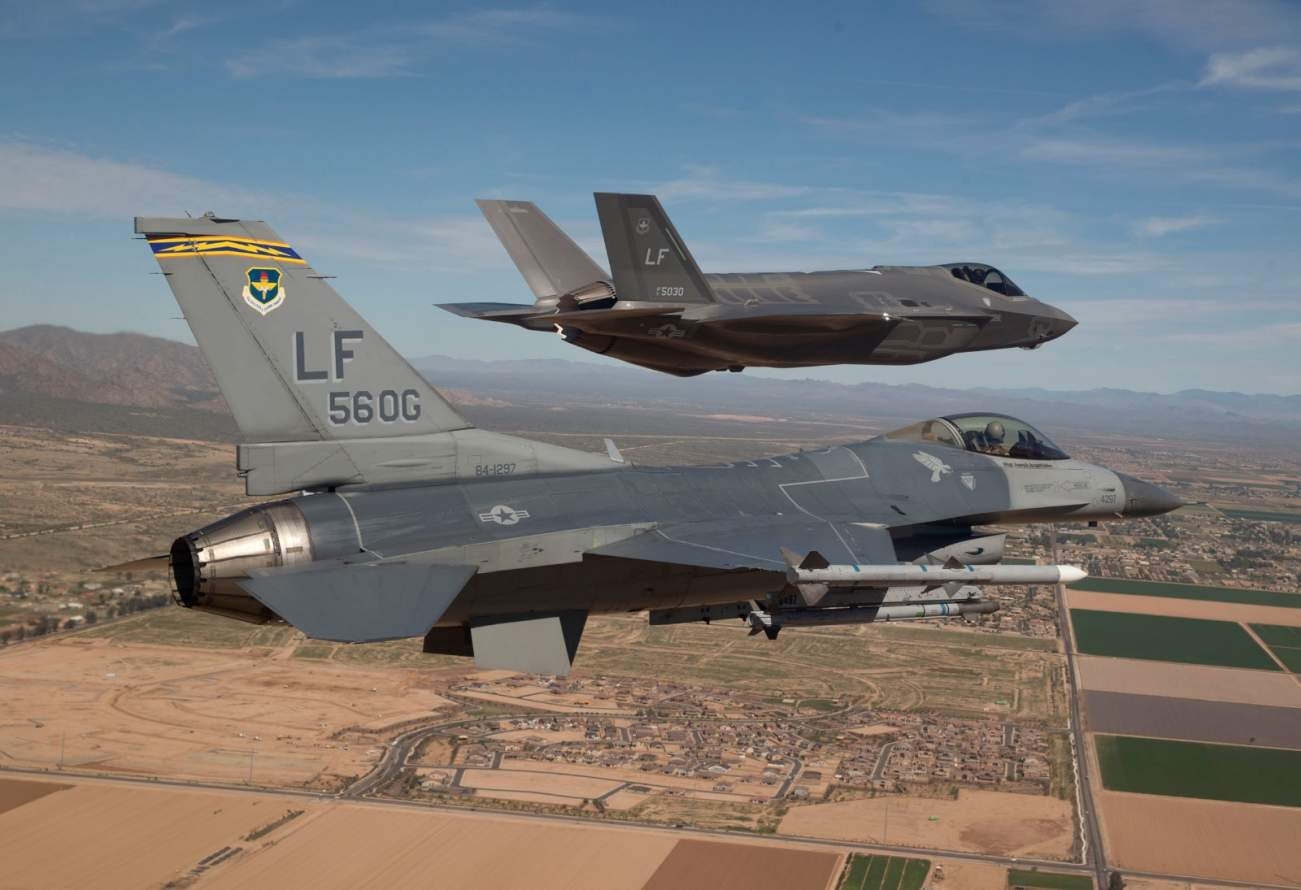 Report: See The Results Of The Air Force's F-35 vs. F-16 Dogfight