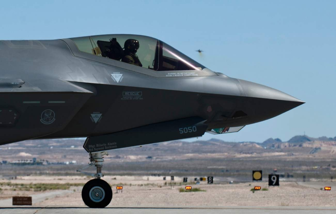 """Russia May Have Built A """"Silver Bullet"""" For America's F-35 Stealth Fighter"""