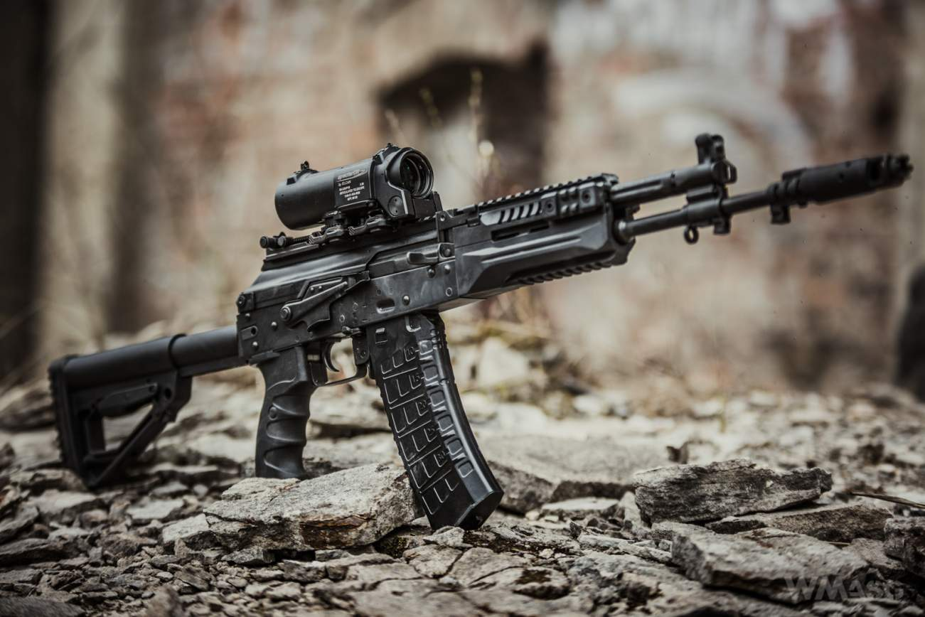 Here's Why Russia's Military Loves The AK-12 Rifle So Much