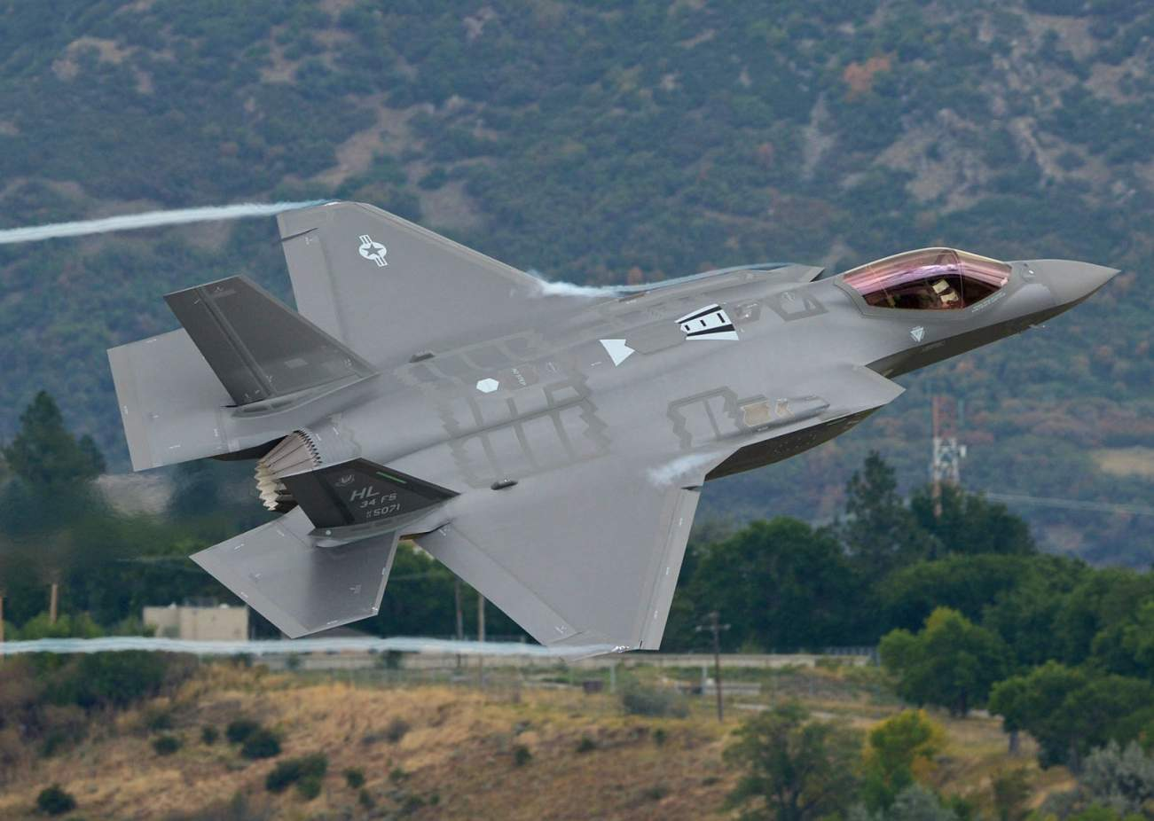 One Helmet Is About To Take The F-35 To New Heights