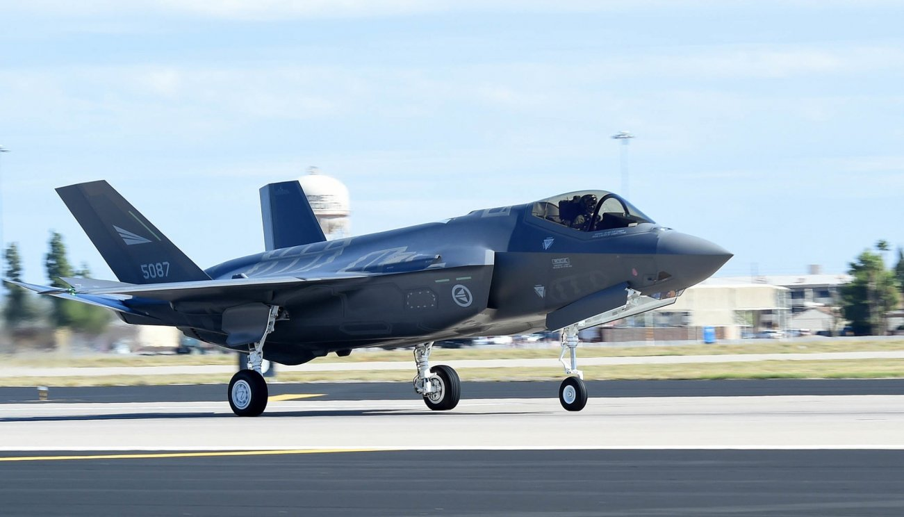 The F-15X Could Bring Out The True Potential Of America's F-35 Stealth Fighter