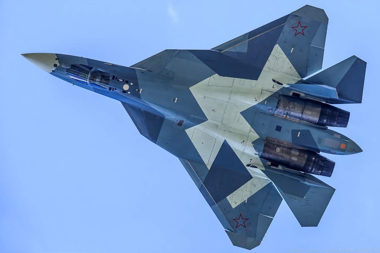 Battle of Stealth: America's F-22 Raptor vs. Russia's Su-57 (Who Dies?)