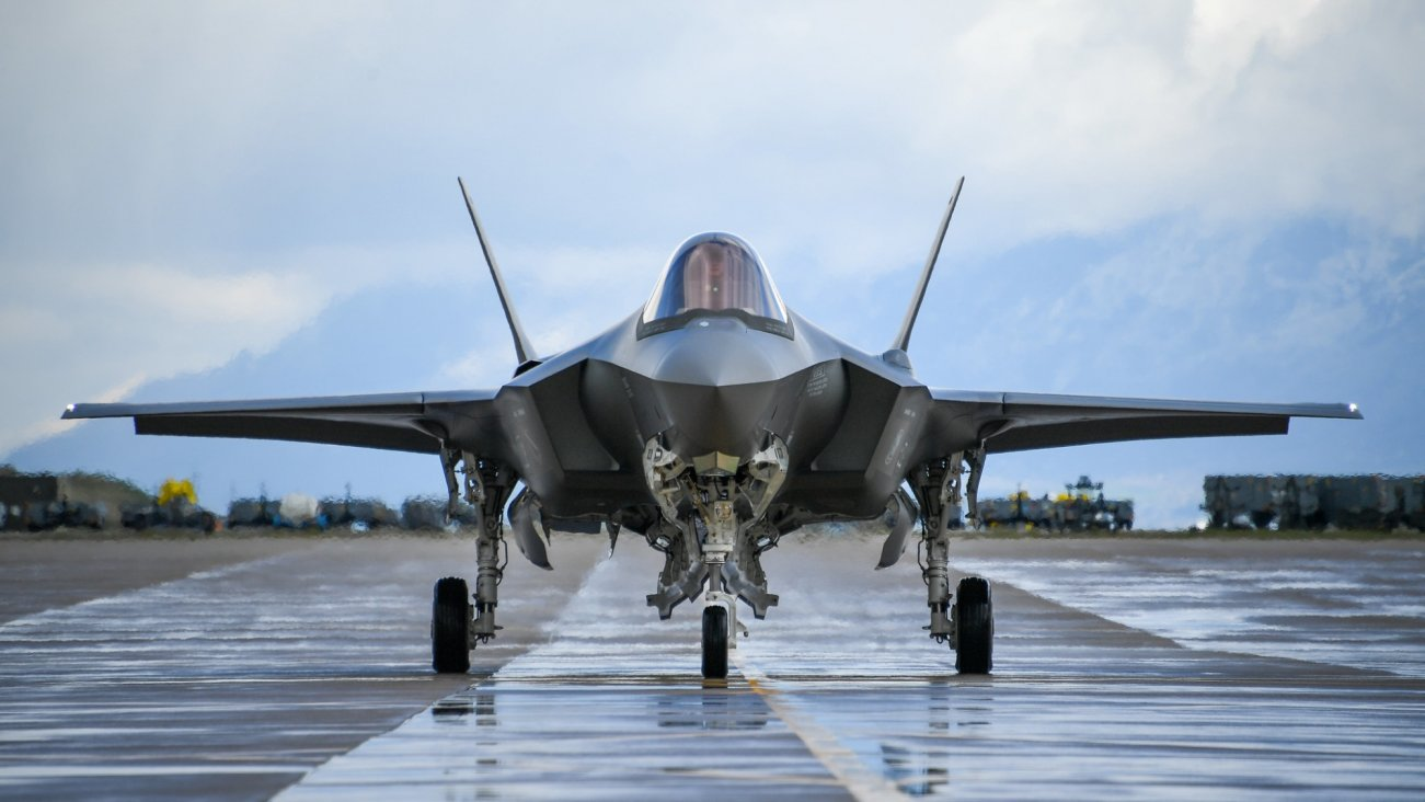 A $1,000,000,000,000 Mistake?: Getting America's Stealth F-35 Into The Air Wasn't Easy
