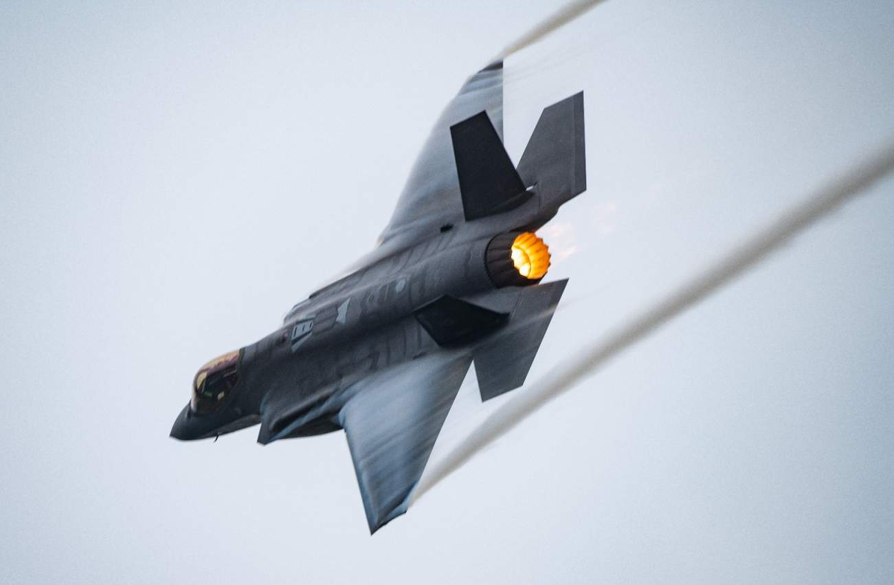 Laser Weapons On Stealth Jets: The Future of the U.S. Air Force?