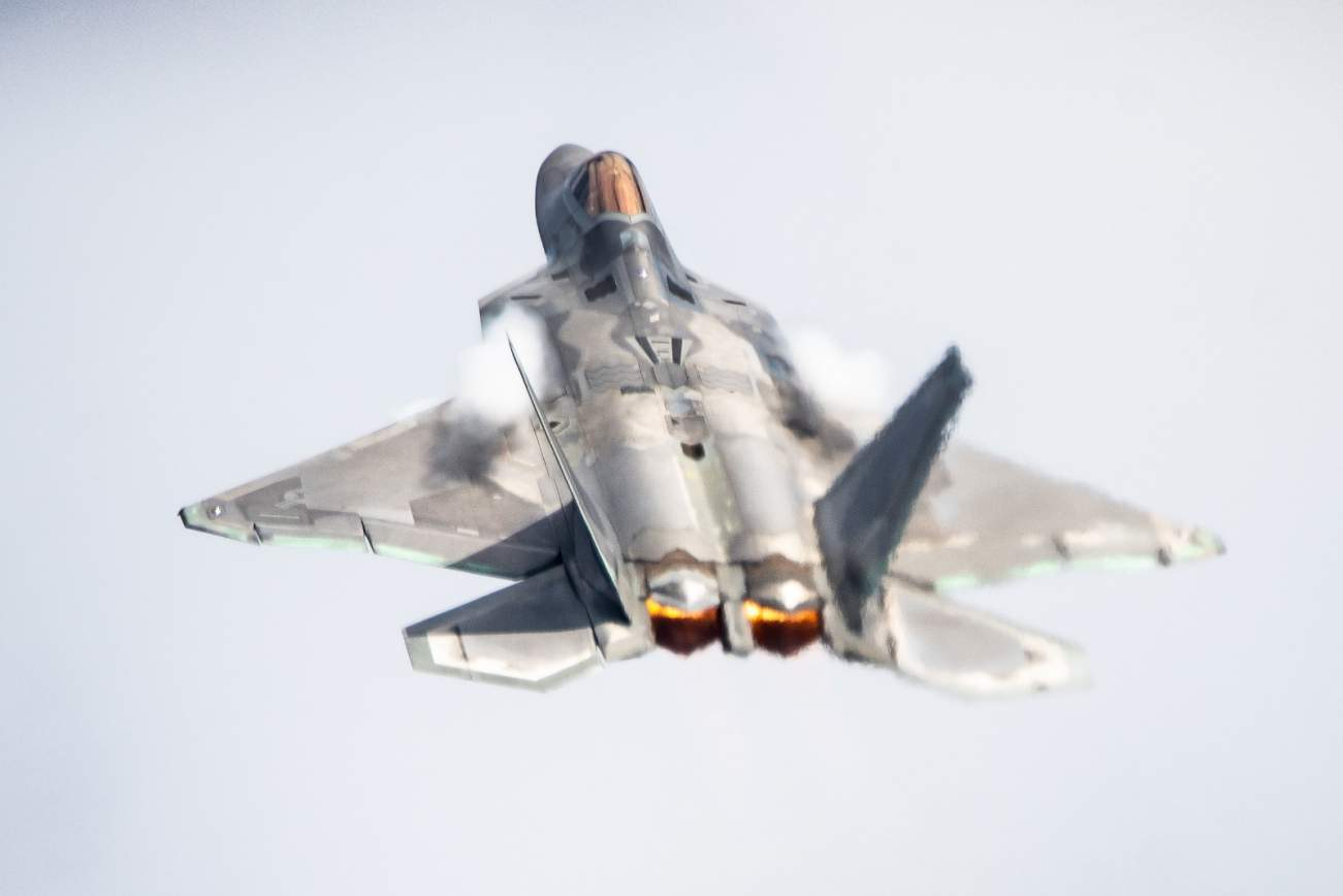 A Stealth F-22 Raptor Flew Right Under an Iranian Fighter Jet (They Never Knew)