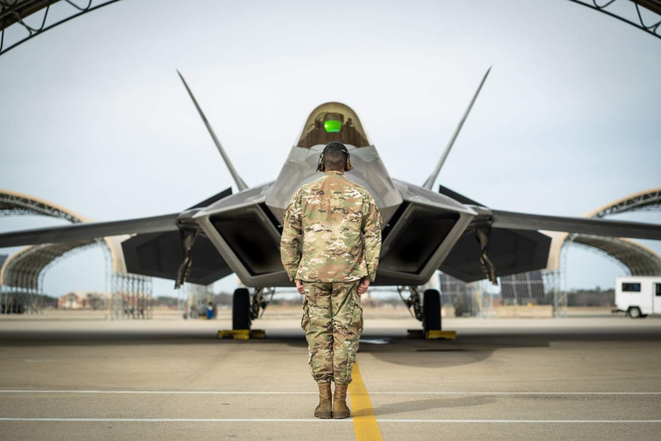 Would America's F-35s and F-22s Have An Achilles Heel Against China?