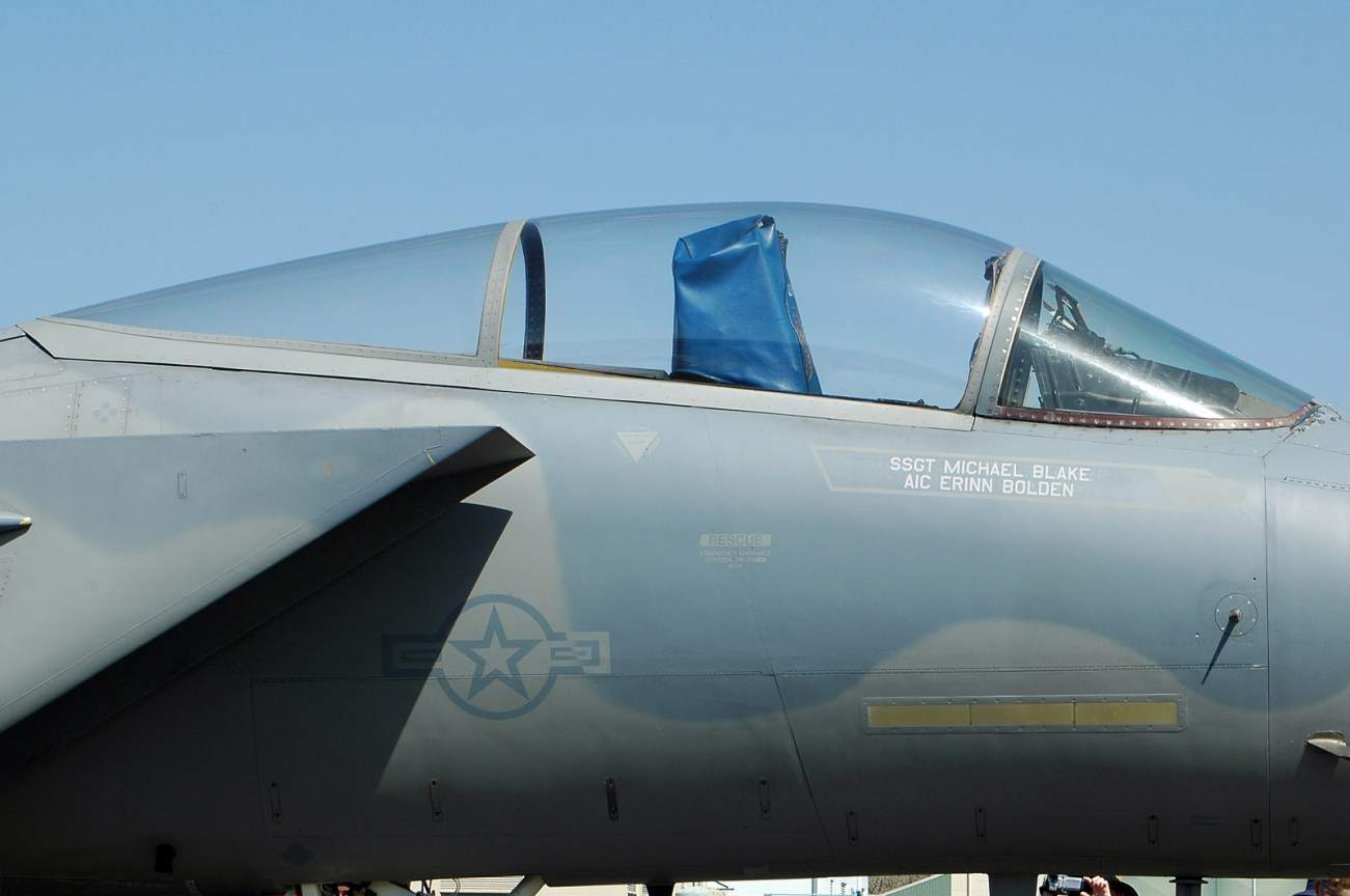 How an Old F-15 Can Kill Russia's New Stealth Su-57 in a 'Dogfight'