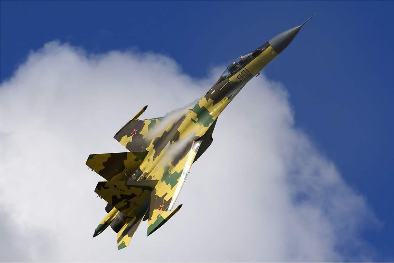 Can Russia's Sukhoi Su-35 Flanker-E Beat the F-35?