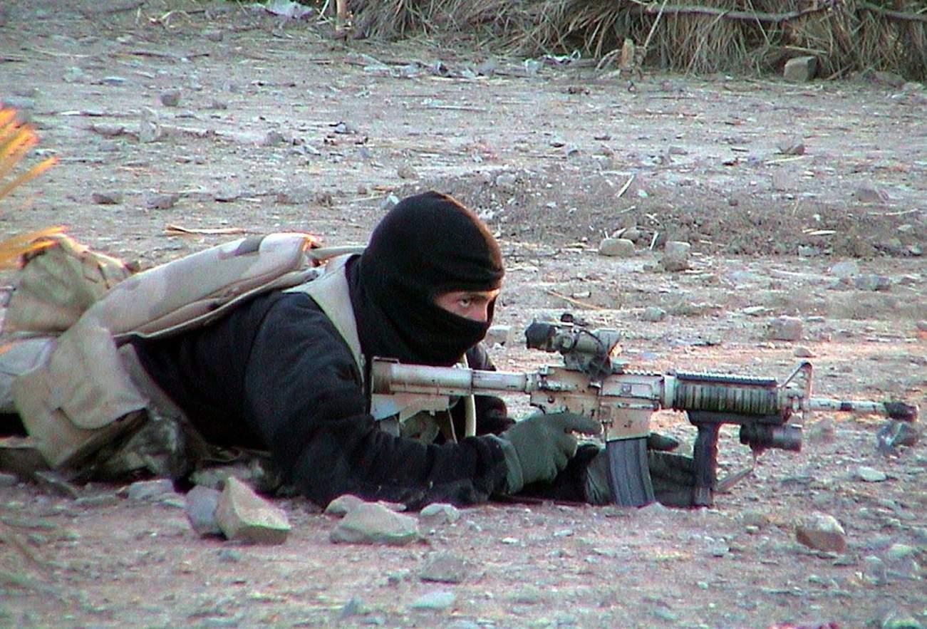 Bang! Why the Navy SEALs Love the P226 Handgun