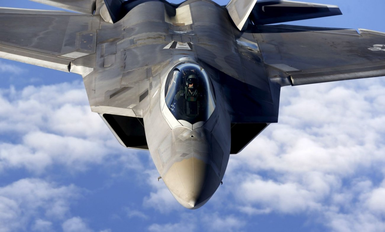 Stealth vs Stealth: Can Russia's Su-57 Take on the F-22 (And Survive)?