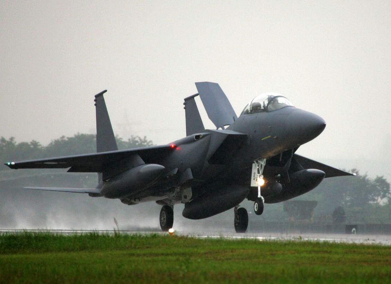 Why Everyone Respects South Korea's Awesome F-15K Fighter Jet