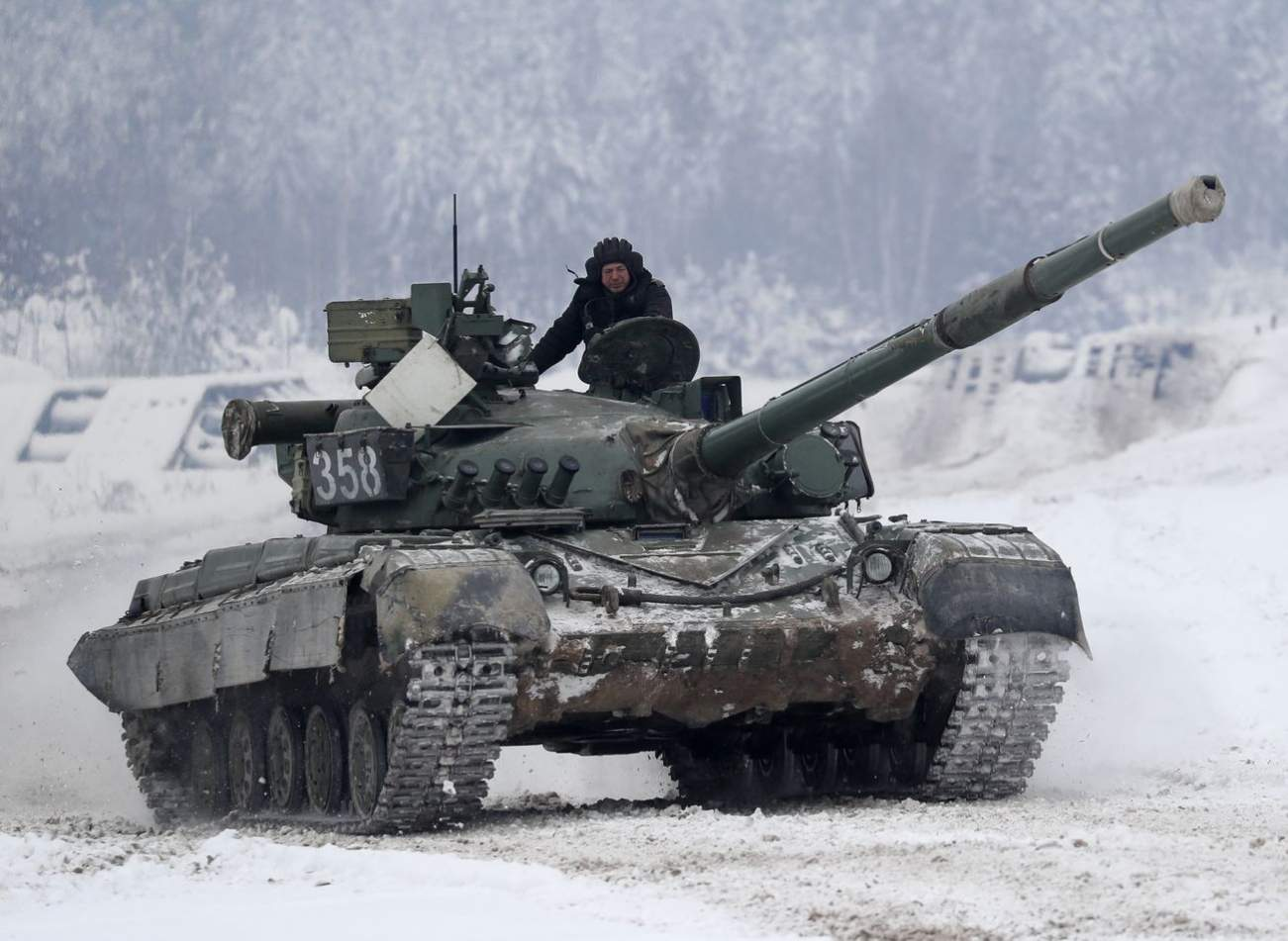 Here's What Russia Is Doing to Convince Everyone to Buy Their Weapons