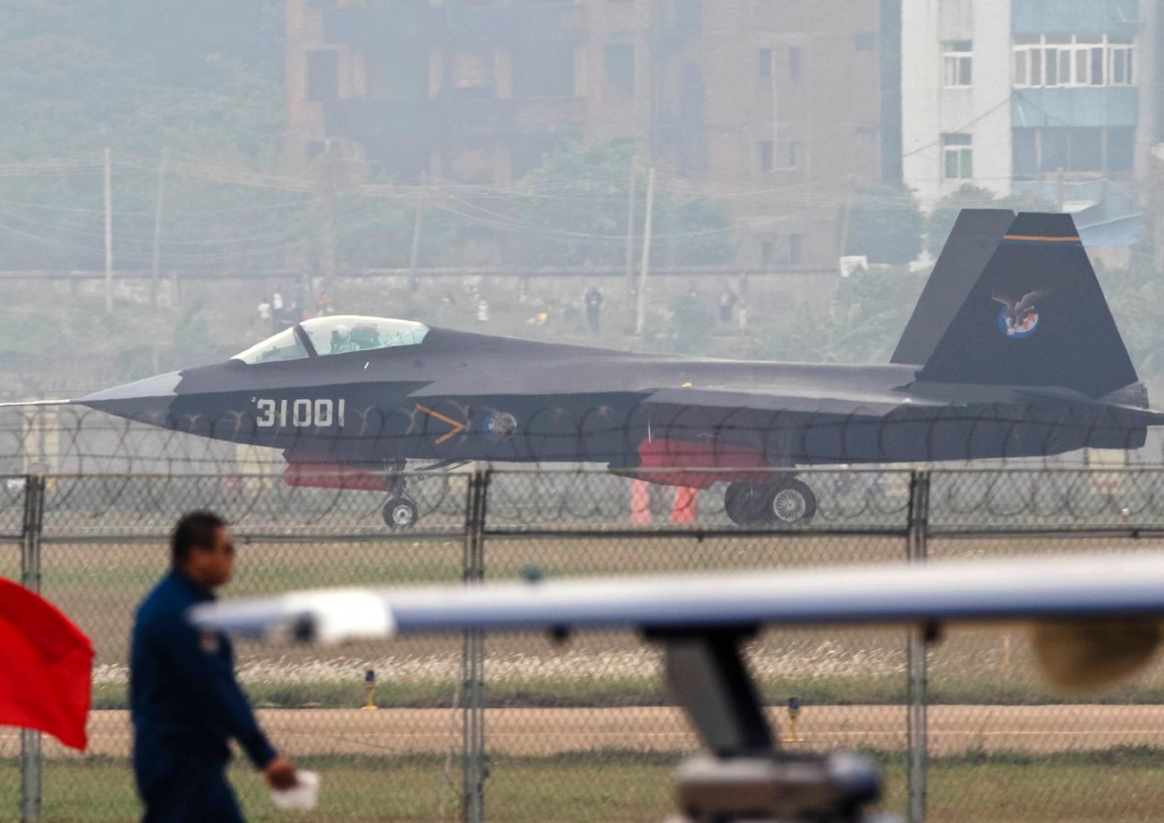Yes, China Wants Its J-31 Stealth Fighter Jet to Launch From Aircraft Carriers