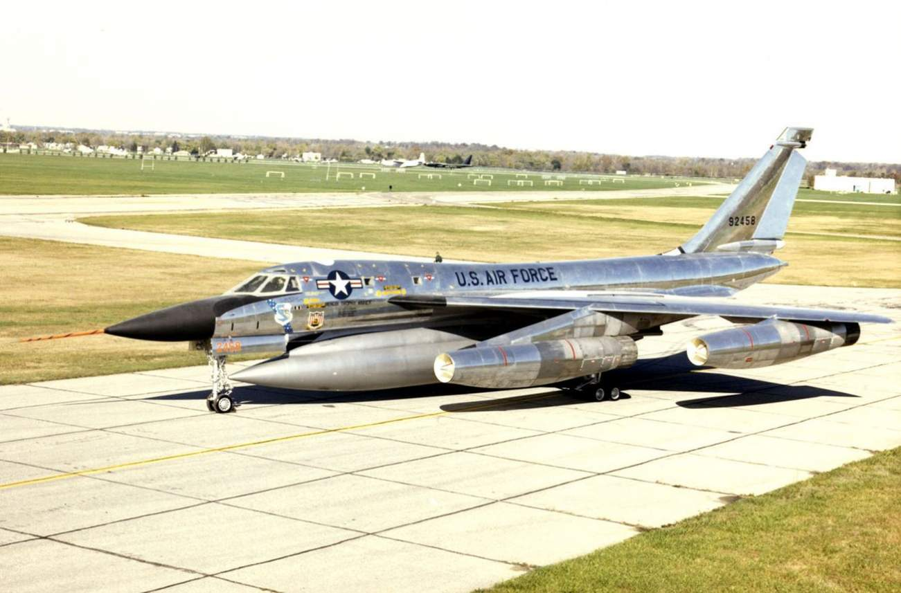 A Useless Work Of Art: America's B-58 Hustler Bomber Was a Disater
