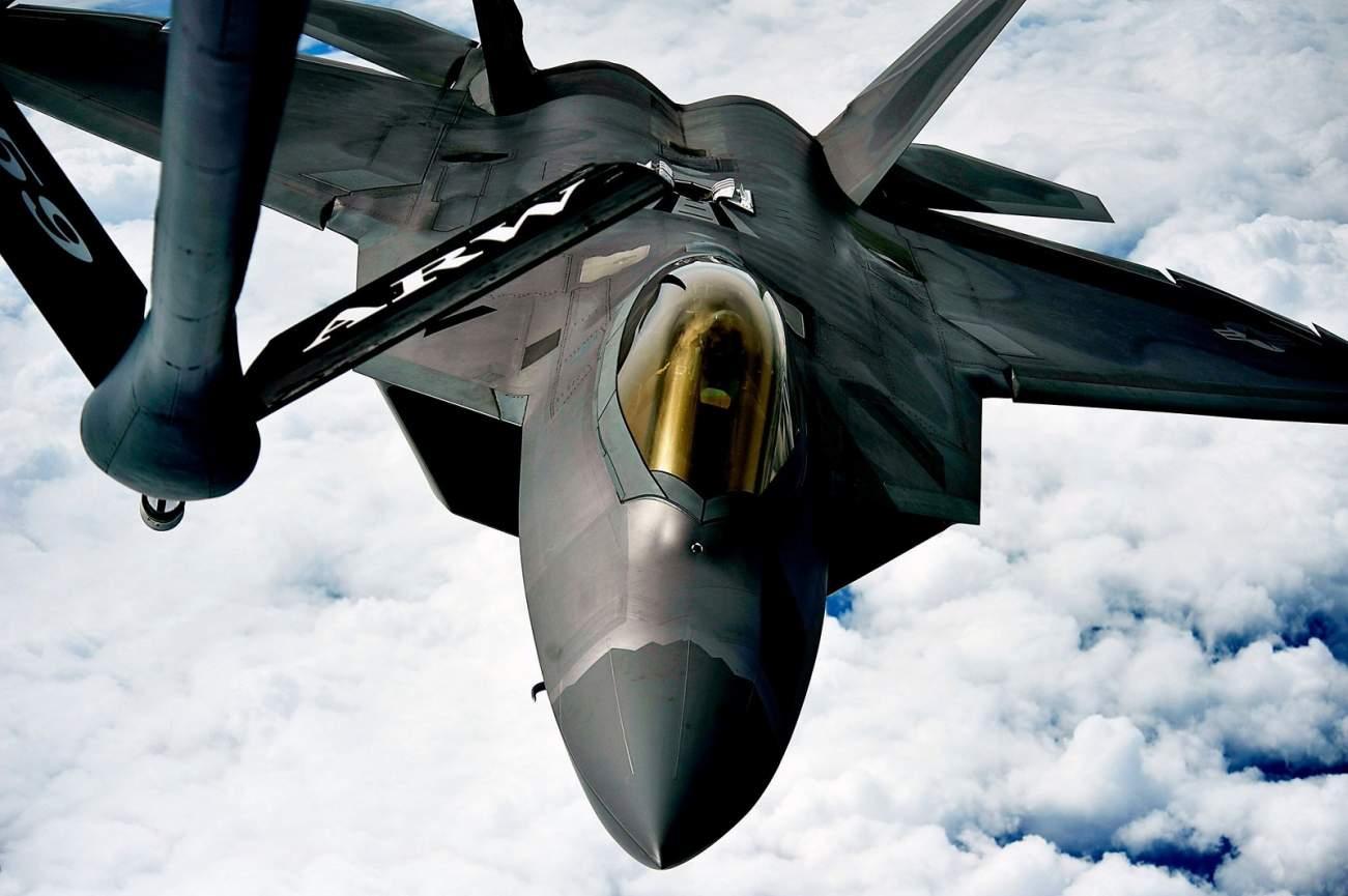 Surprise! A U.S. F-22 Stealth Raptor 'Flew Under' Iran's F-4 Fighter