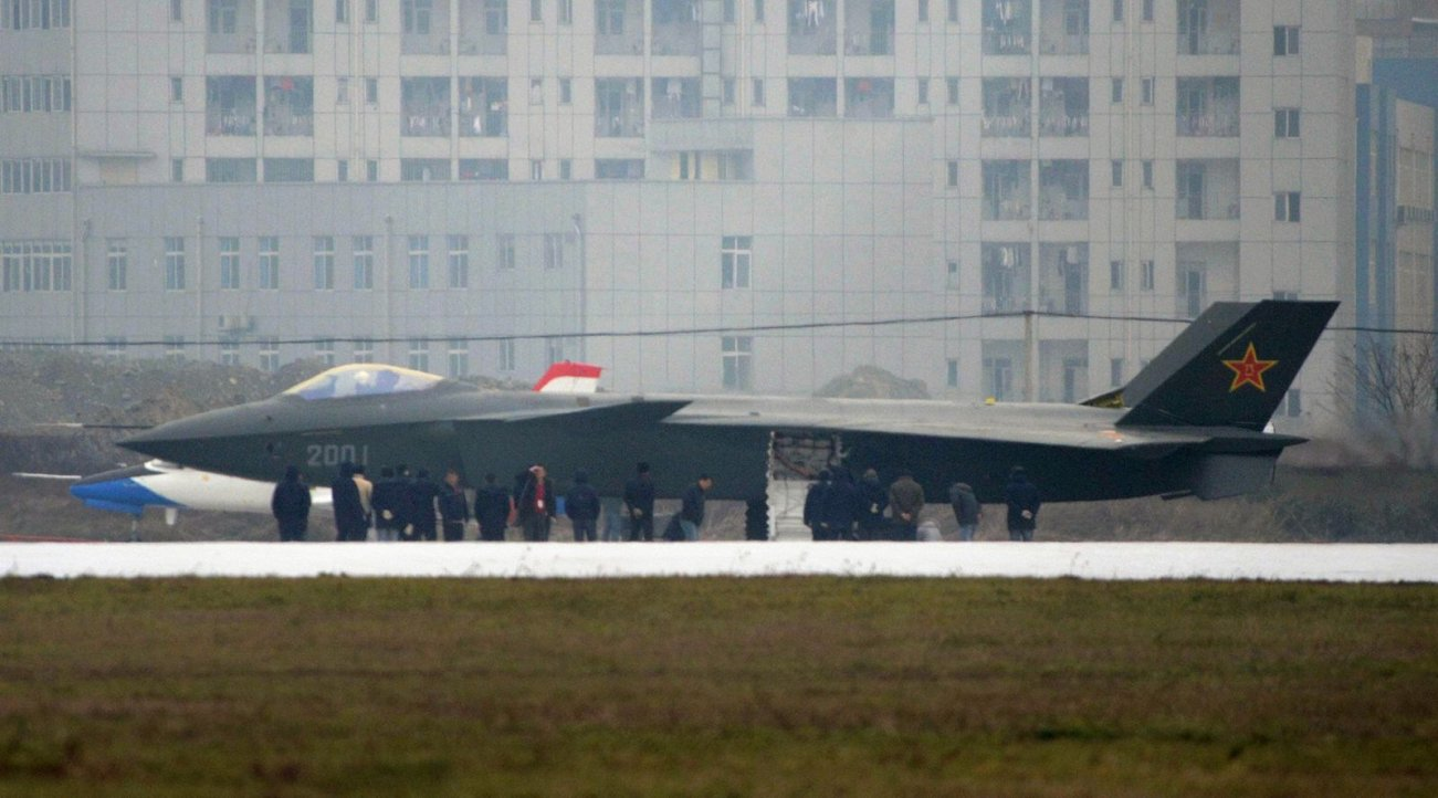 Key point:Beijing wants to do what Washington has done with the F-35 and add a stealth jet to its carriers. Such a move would only extend China's growing sea power.  The Chinese military reportedly has decided to develop the air force's J-20 stealth figh