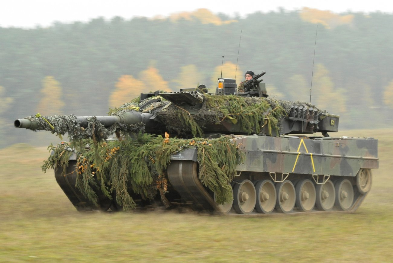 Why The Leopard 2 Tank Can Win Any Battle (This Is No U.S. Tank)
