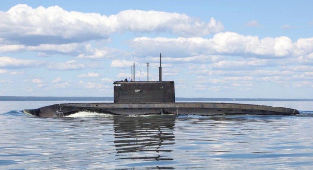 Beware: Deadly Kilo-Class Submarines are Lurking Near China's Shores